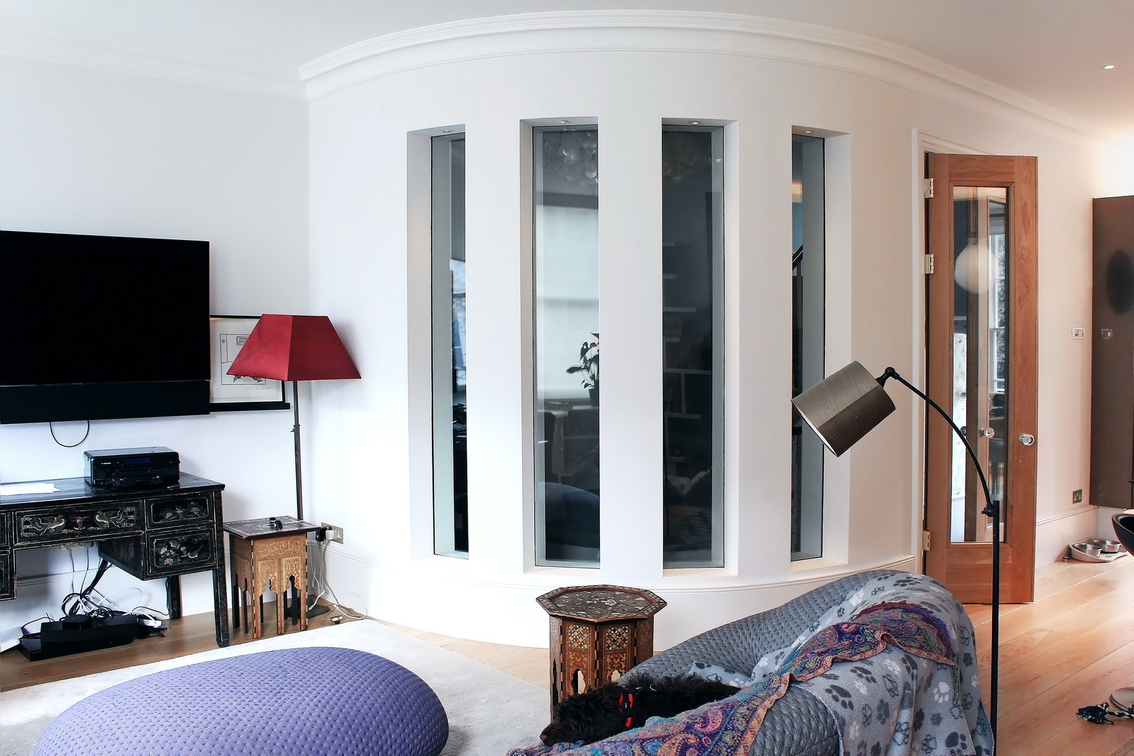 fire rated glass in the curve metal stud partition